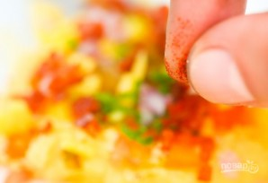 Рецепт фаршированных яиц с авокадо - фото шаг 4