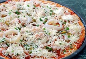 Пицца с кальмарами - фото шаг 7