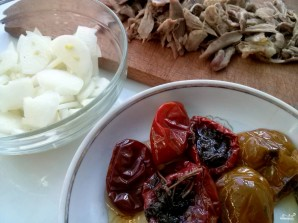 Cалат с вялеными помидорами - фото шаг 1