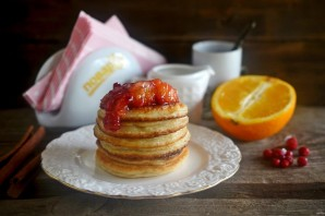 Оладьи с апельсиново-брусничным пряным соусом - фото шаг 8