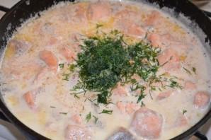 Семга в сливочно-чесночном соусе - фото шаг 5