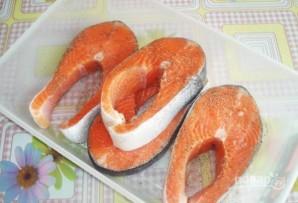 Форель под соусом в духовке - фото шаг 1