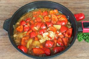 Говядина тушеная с перцем и картошкой - фото шаг 6
