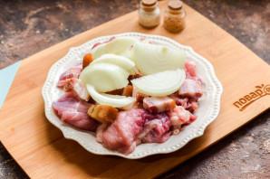 Свинина с салом в духовке - фото шаг 4