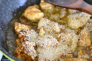 Салат теплый с курицей - фото шаг 3