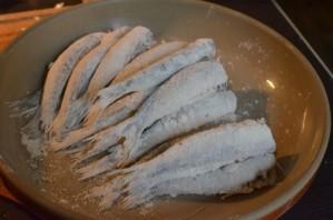 Жареная морская рыба - фото шаг 4
