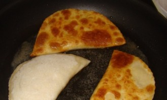 Лепешки с сыром - фото шаг 5