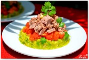 Салат с тунцом и авокадо - фото шаг 6