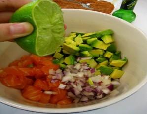 Тарталетки с семгой и авокадо - фото шаг 4
