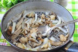 Теплый салат с вешенками - фото шаг 4