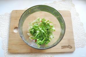 Зеленый салат с крабовыми палочками - фото шаг 5