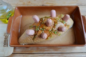 Хлебный ёжик с сосисками и сыром - фото шаг 5