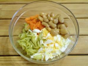 Салат с фасолью и солеными огурцами - фото шаг 5