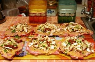 Рулетики из мяса в духовке - фото шаг 5
