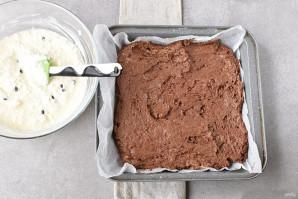 Шоколадный пирог с творогом - фото шаг 7