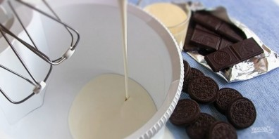 """Мороженое с печеньем """"Орео"""" - фото шаг 1"""