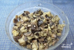 Жареные грибы с баклажанами - фото шаг 7