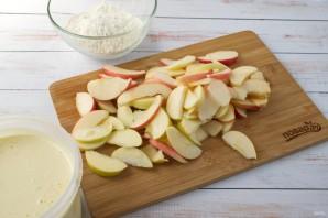 """Пирог с яблоками """"Шарлотка"""" - фото шаг 2"""