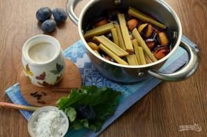 Сливовый суп с ревенем - фото шаг 2