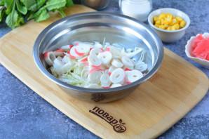 Салат с имбирем и крабовыми палочками - фото шаг 4