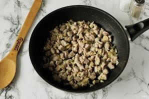 Лодочки из слоеного теста с картофелем и мясом - фото шаг 4