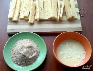 Сырные палочки в панировке - фото шаг 4