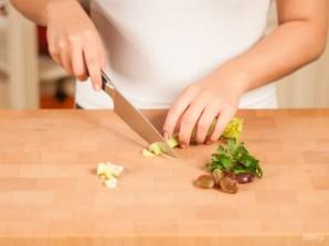 Хрустящий салат с сельдереем - фото шаг 3