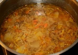 Суп из белых грибов с вермишелью - фото шаг 5
