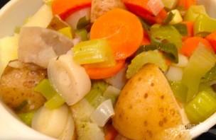 Куриное мясо с овощами в духовке - фото шаг 4