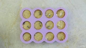 Банановые маффины без сахара - фото шаг 9