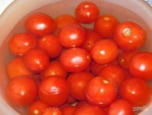 Помидоры в томатной пасте на зиму - фото шаг 1