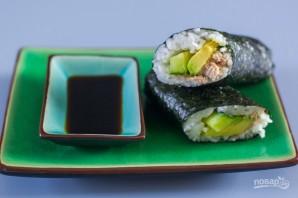 Консервированный тунец с рисом и авокадо - фото шаг 6