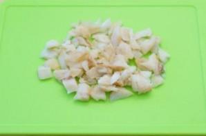 Салат с отварной треской - фото шаг 4