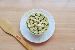 Слоеный салат с бужениной - фото шаг 9