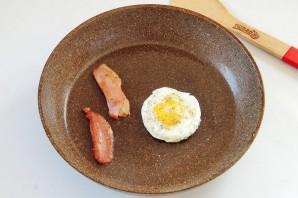 "Бургер на завтрак ""Башня на рассвете"" - фото шаг 8"