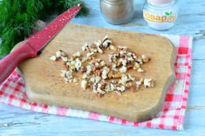 Куриная печень с грецкими орехами