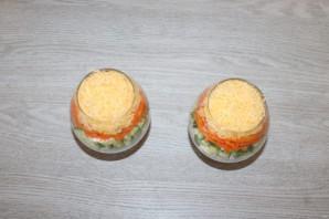Салат с корейской морковкой, курицей и яйцом - фото шаг 7