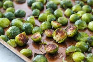 Теплый салат с брюссельской капустой - фото шаг 5