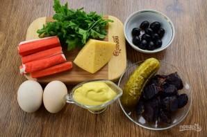 Крабовый салат с черносливом - фото шаг 1