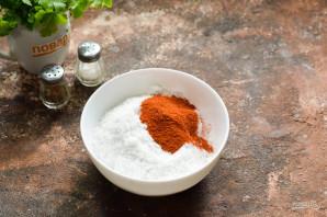 Соленое сало с красным перцем - фото шаг 3