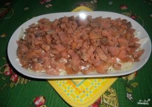 Салат с горбушей горячего копчения - фото шаг 2