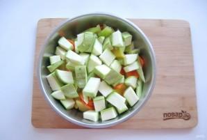 Картофель с колбасками в духовке - фото шаг 4