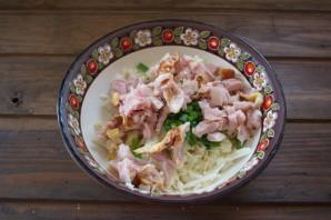 Салат удачный с сухариками - фото шаг 3