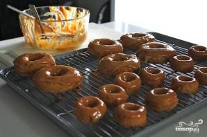 Яблочные пончики с карамелью - фото шаг 7