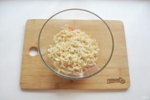 Салат с лапшой и колбасой - фото шаг 5