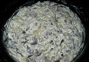 Пирог с грибами из слоеного теста - фото шаг 5