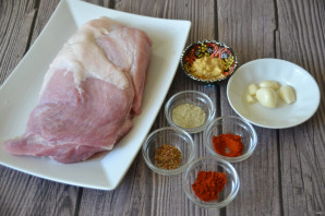 Свиной окорок, запеченный в духовке в фольге - фото шаг 1