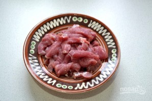 Салат с говядиной и яичными блинчиками - фото шаг 2