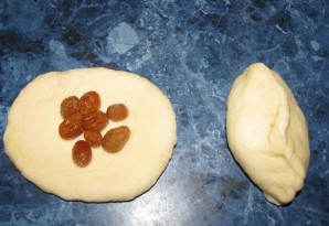 Пирожки с изюмом - фото шаг 3
