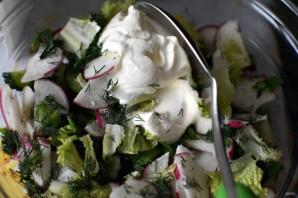 Летний салат с редисом и черемшой - фото шаг 5
